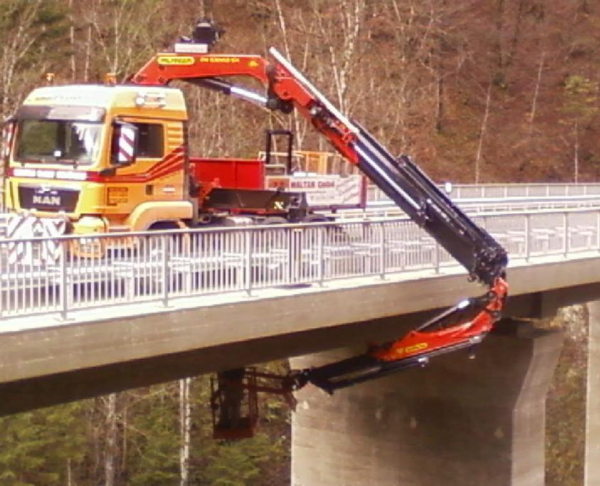 Maltan GmbH Ladekranverleih- LKW mit PK53002 SH